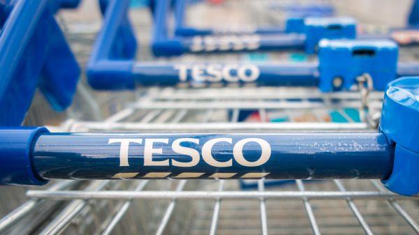 Tesco to sell seedless lemons