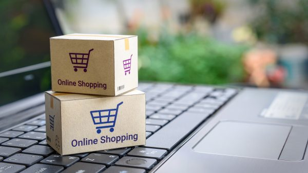 Covid-19: Online grocery sales plummet for the first time on record