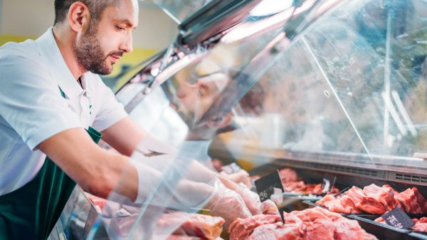 Hundreds of additional temporary visas for foreign butchers have been announced by the government as part of a package of support following calls from the industry to intervene over labour shortages.